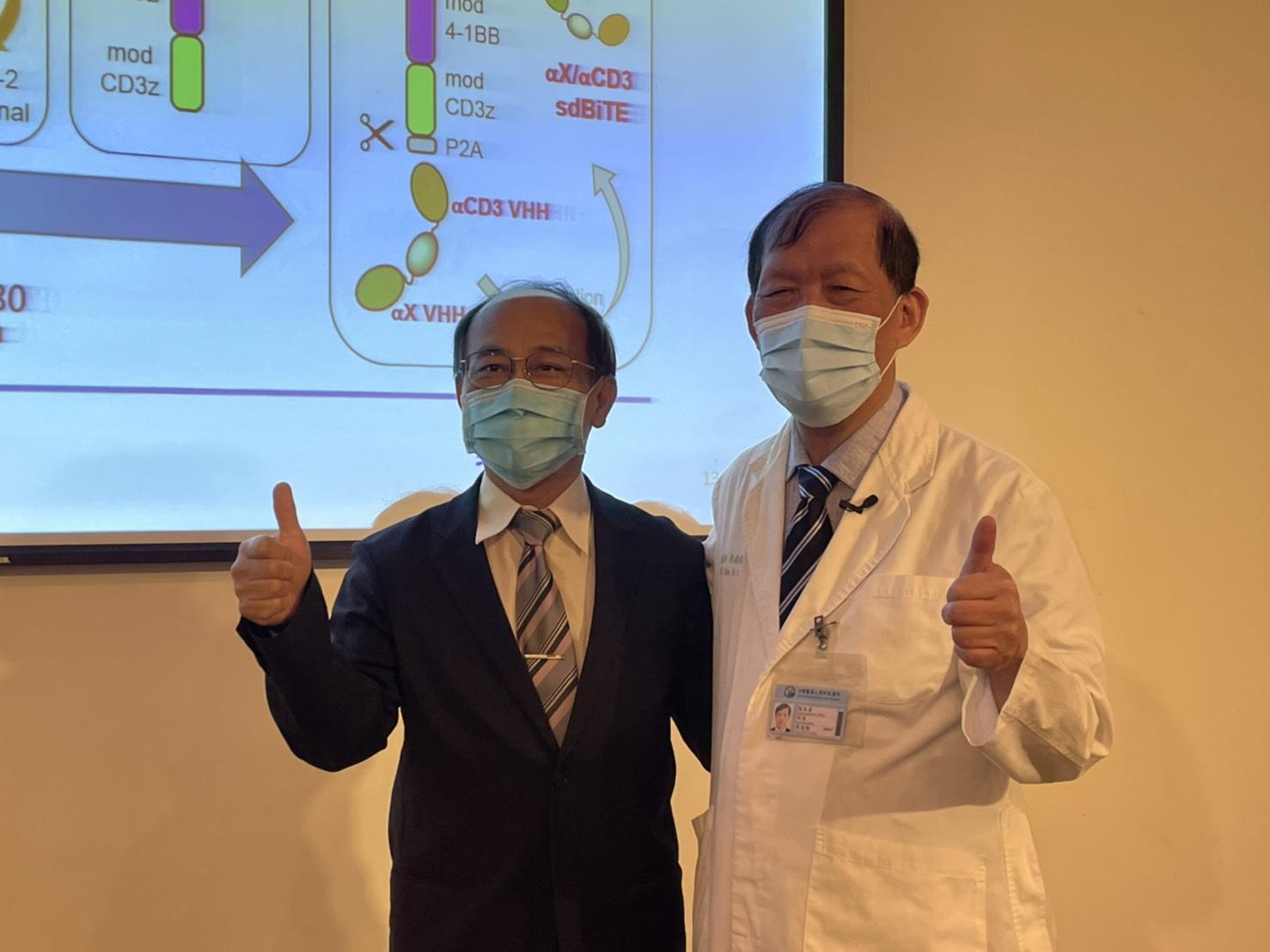 右:中醫附醫周德陽院長 ,左:長聖生技黃文良 總經理