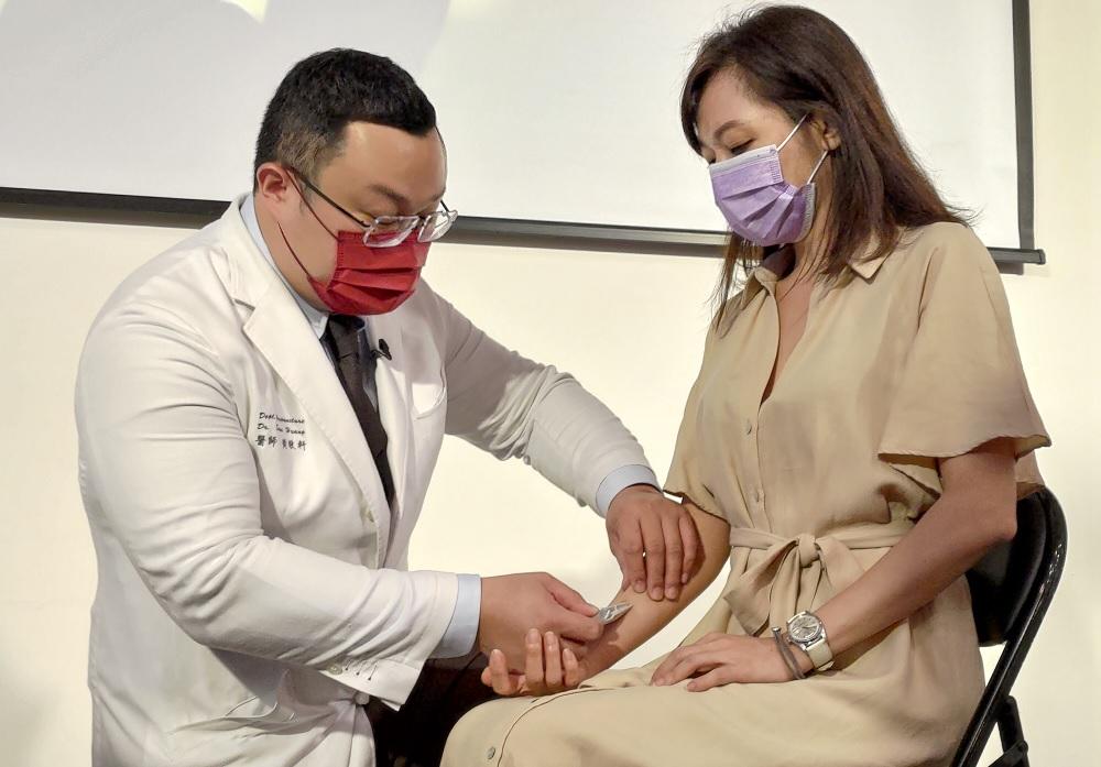 改良式針灸浮針舒緩頸部不適