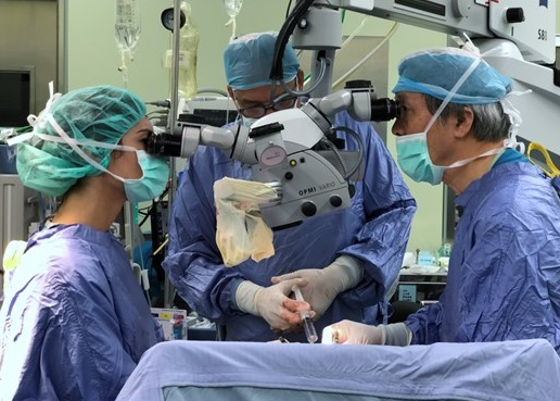 At the operating theater (Prof. Chen and Fellow)