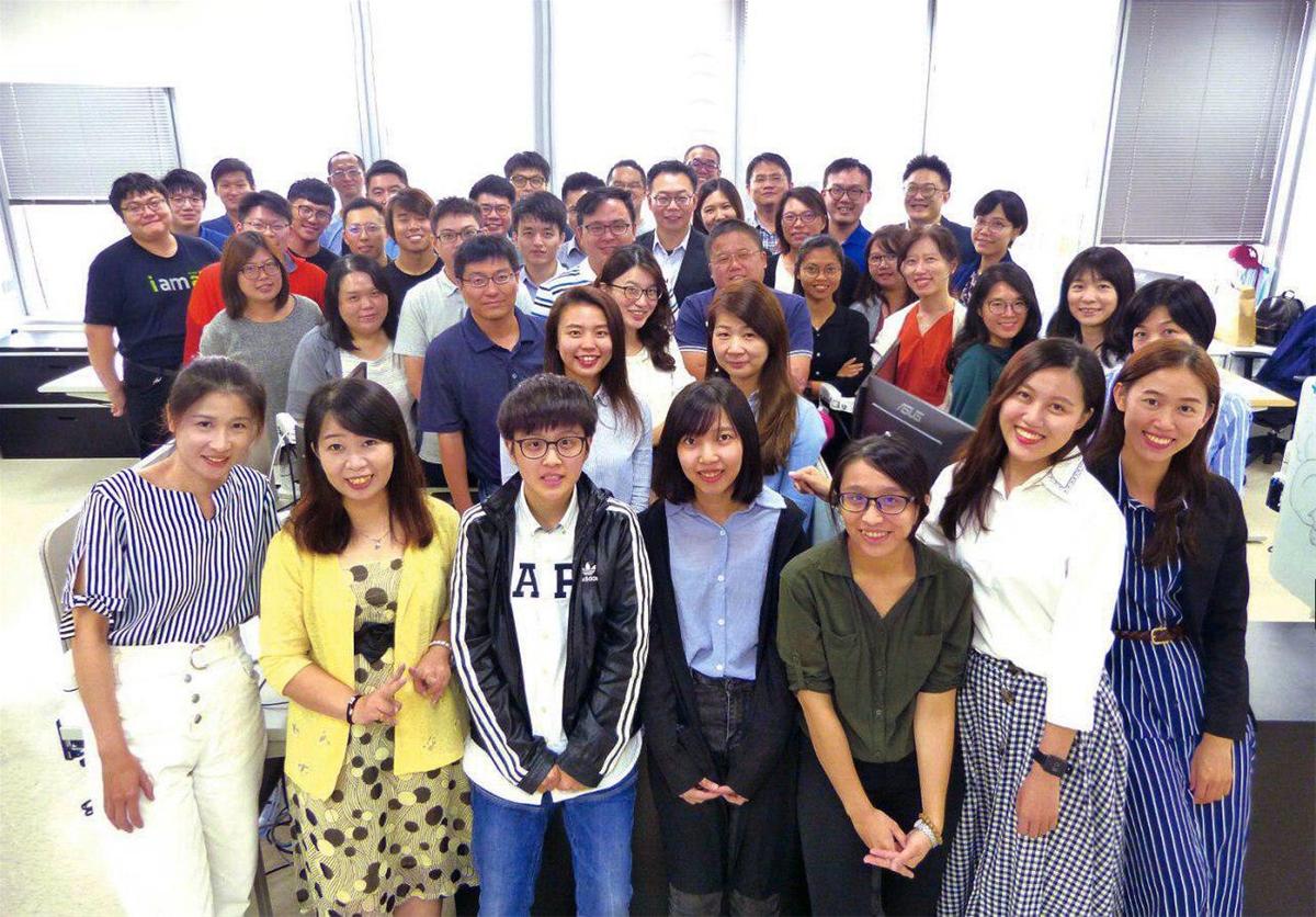 長佳智能公司由國際成員組成研發創新團隊