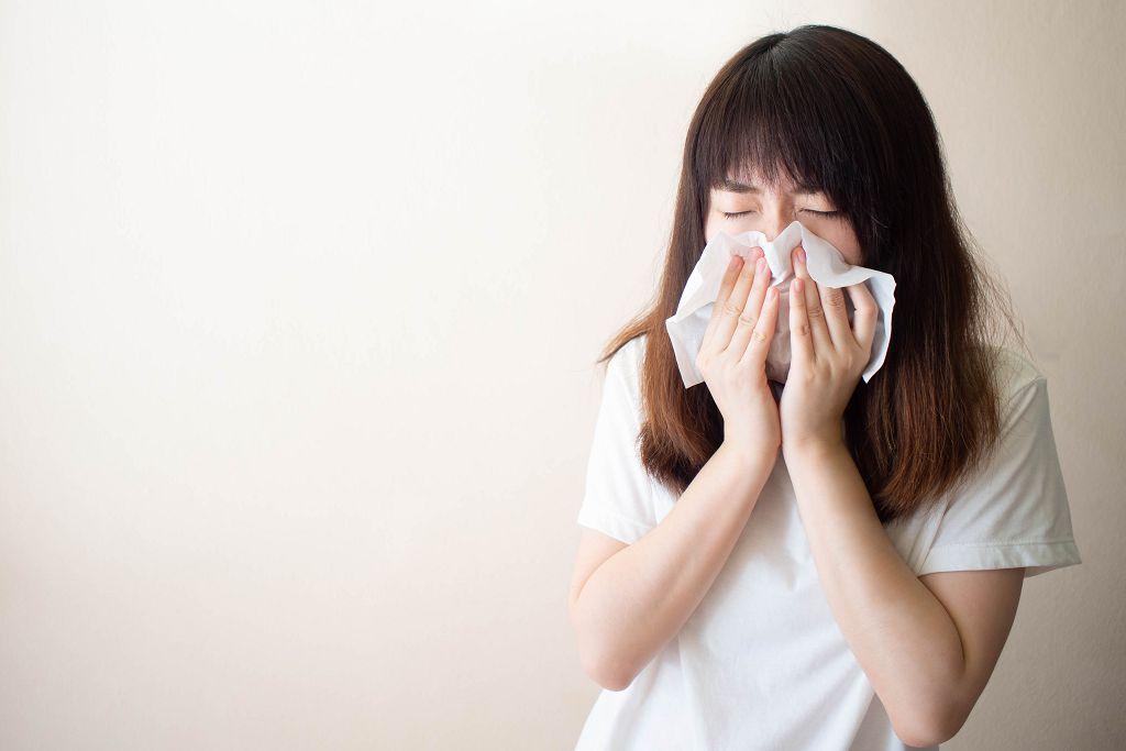 老是打噴嚏流鼻水 我有過敏性鼻炎嗎