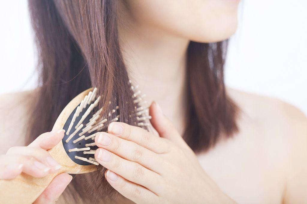 閃亮的、健康的頭髮,不僅是健康的寫照,對女性而言,也是美麗的裝飾,可以帶來自信與幸福感。