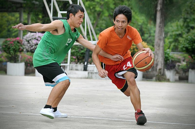 別做籃球場上的傷兵