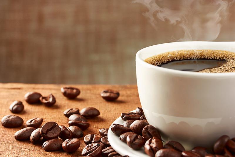 喝咖啡可能有助於預防慢性疾病,包括第2型糖尿病和肝病,前瞻性研究也發現咖啡不會明顯增加心血管疾病風險